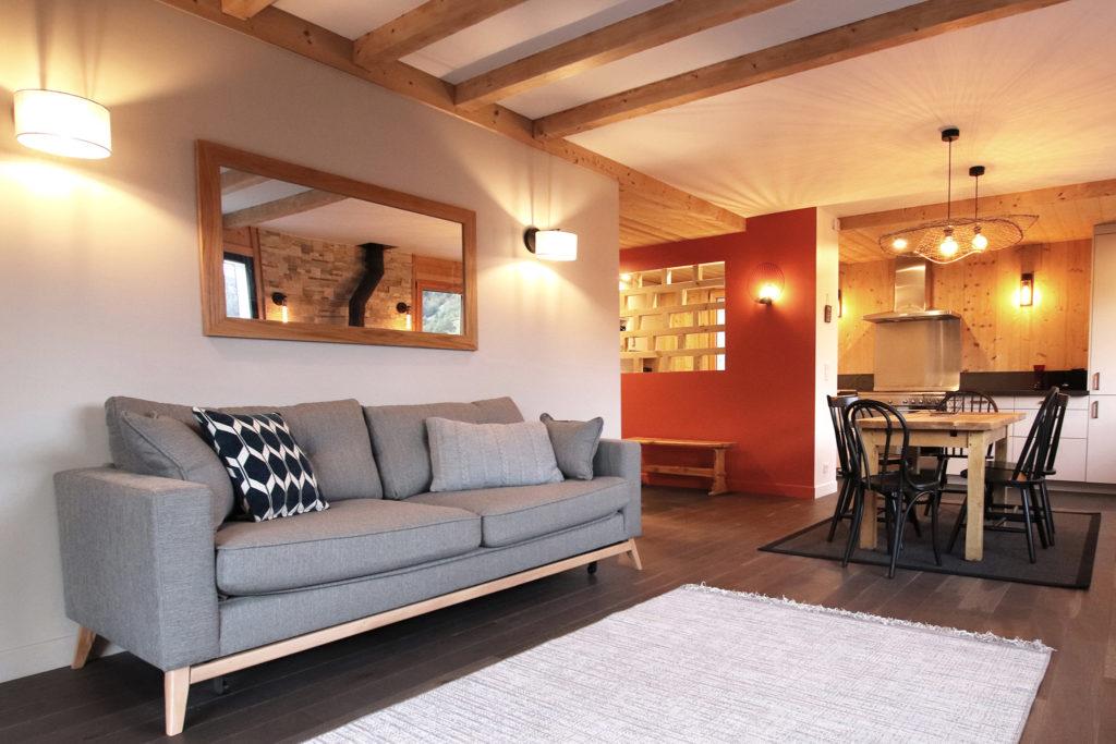 sophie-pico-denise-omer-architecte-interieur-chalet-renovation-salon-eclairage-cosy